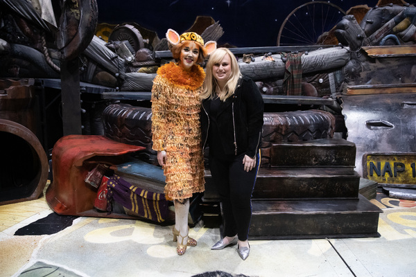 Photo Flash: Rebel Wilson Visits CATS in Los Angeles