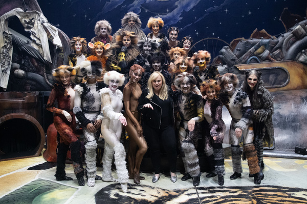 Rebel Wilson and the cast of Cats