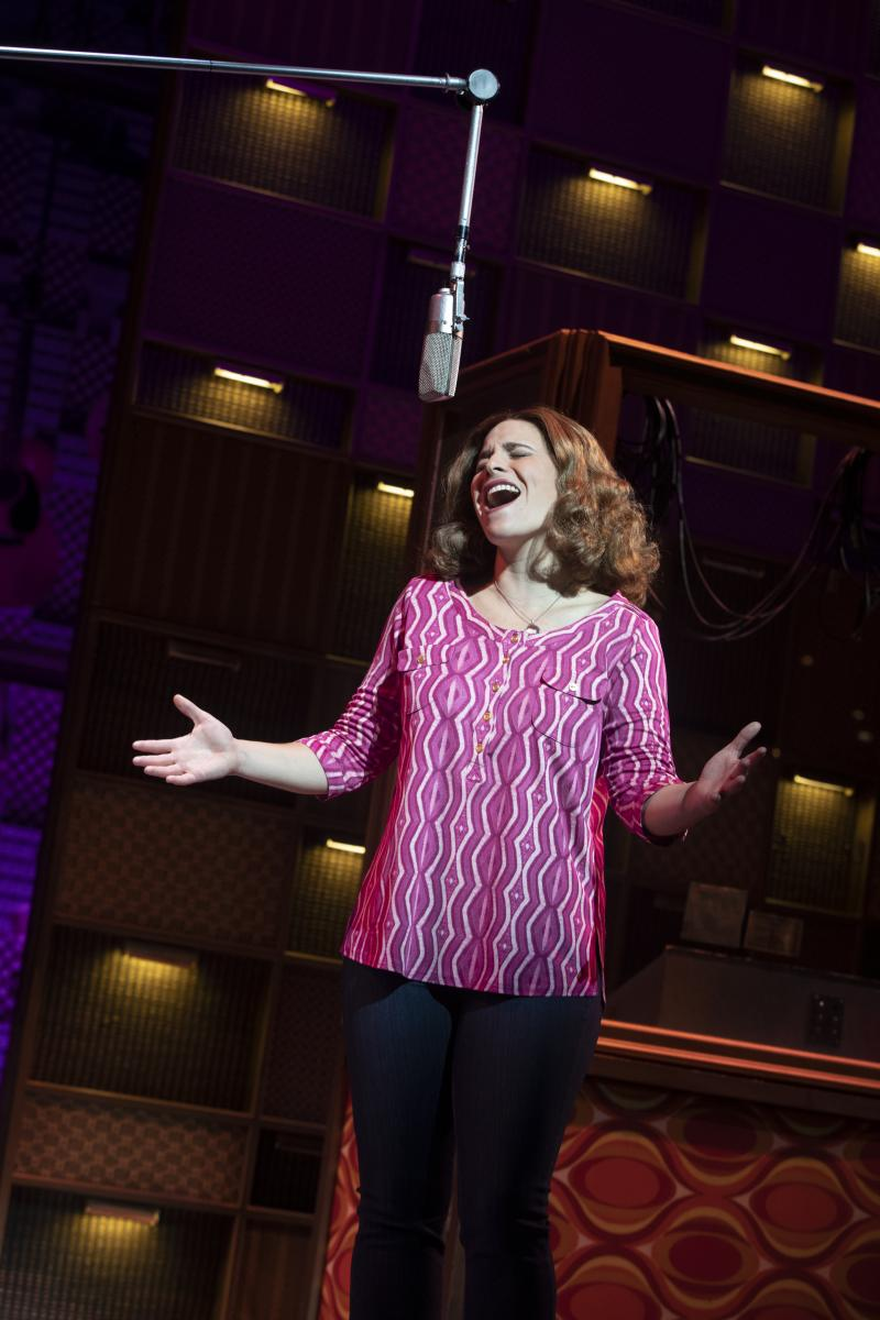 BWW Review: BEAUTIFUL: THE CAROLE KING MUSICAL is Some Kind of Inspirational Wonderful
