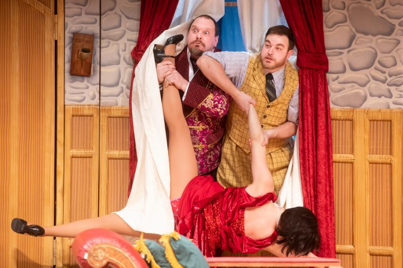 BWW Review: THE PLAY THAT GOES WRONG is a Perfect Recipe for Hysterical Disaster