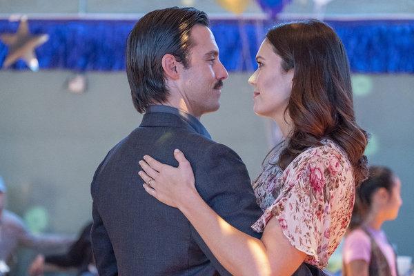 Milo Ventimiglia as Jack Pearson, Mandy Moore as Rebecca Pearson Photo