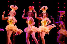 BWW Review: GUYS AND DOLLS at Théâtre Marigny