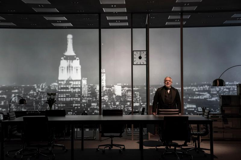BWW Review: American Dreams Twist Into Capitalist Nightmares in Stefano Massini's Captivating THE LEHMAN TRILOGY
