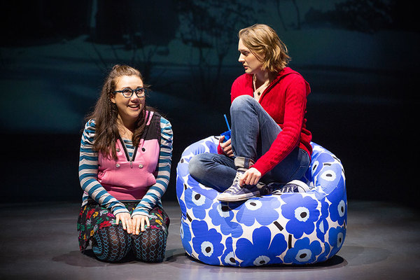 Livvy Marcus as Hannah and Sophie Hearn as Alice Carter