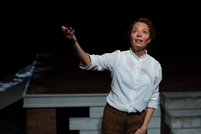 BWW Review: Book-It's RETURNING THE BONES Mesmerizes with Vivid Storytelling