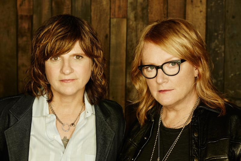 BWW Interview:  Indigo Girls' Emily Saliers Talks Houston Symphony, Musicals, and Young Thug