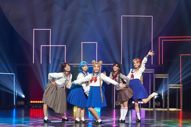 "BWW Review: Love Shines from Here and Beyond in ""PRETTY GUARDIAN SAILOR MOON"" THE SUPER LIVE"