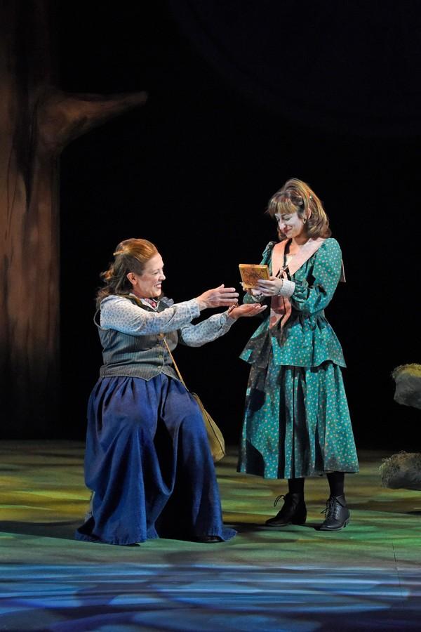Wendy Welch (Mae Tuck) and Katy Tye (Winnie Foster)