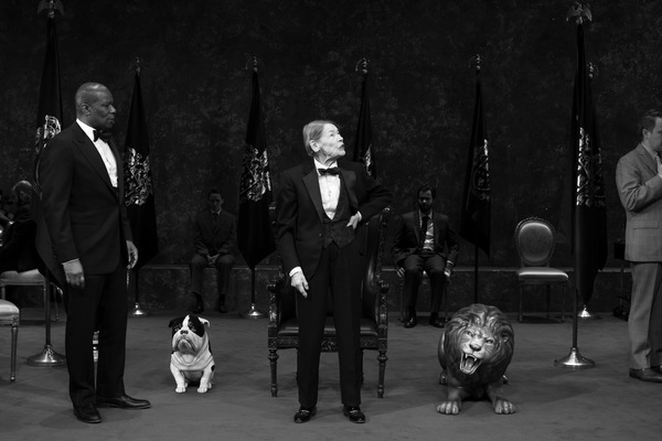 Photo Flash: First Look at Glenda Jackson & More in KING LEAR on Broadway!