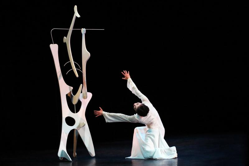 BWW Review: MARTHA GRAHAM DANCE COMPANY at The Joyce through 4/14 for Enthralling Contemporary Dance