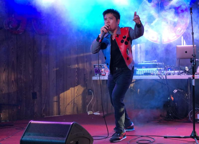 BWW Interview: Catherine and JD 'Super Smack' Ricafort Blend Beats and Broadway in Nintendo-Flavored Debut Hip-Hop Video