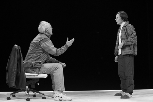 Photo Flash: First Look at Laurie Metcalf, John Lithgow & More in HILLARY AND CLINTON on Broadway!