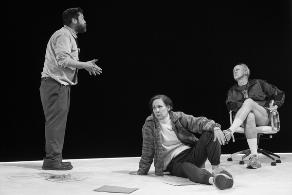Zak Orth, Laurie Metcalf, John Lithgow Photo