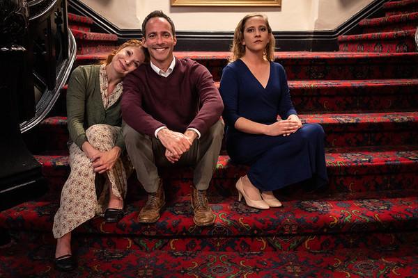 Katrina Stevenson (Julia), Christopher Marshall (George), and Emily Belvo (Hedda)