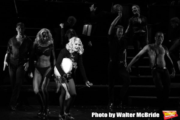Photo Coverage: Christie Brinkley Returns to CHICAGO on Broadway
