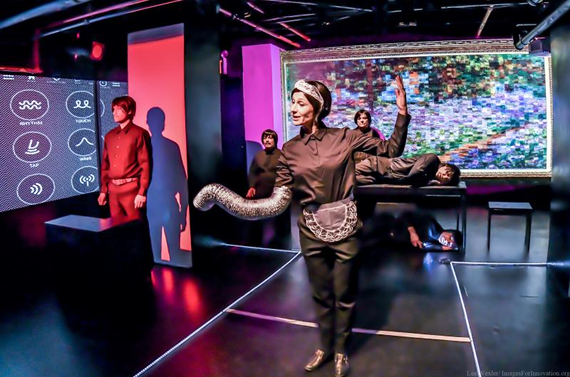 BWW Review: Swipe Right--ELECTRONIC CITY by New Stage Theatre Company is a Match