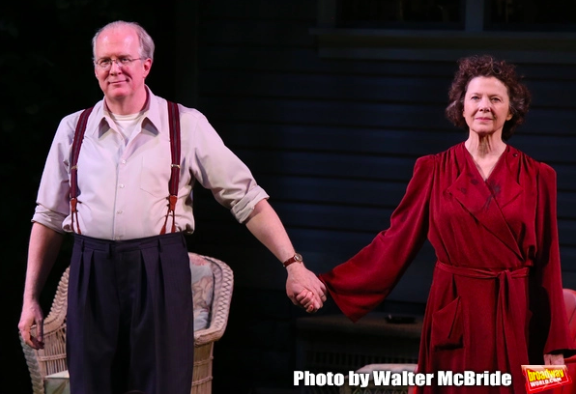 Wake Up With BWW 4/23: TOOTSIE Opens, Outer Critics Circle Award Nominations, and More!