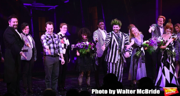 Wake Up With BWW 4/26: BEETLEJUICE Opening Night Coverage, Drama Desk Nominations, and More!