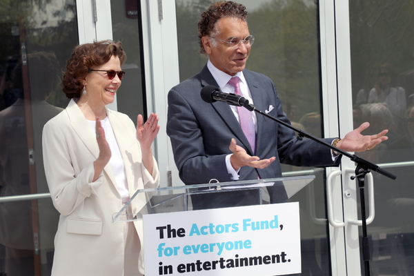 Photo Flash: Annette Bening and Brian Stokes Mitchell Cut Ribbon on New Actors Fund Pavilion