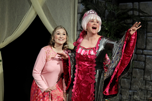 BWW Review: ELLA ENCHANTED at Kate Goldman Children's Theatre-Des Moines Playhouse: An Enchanting Evening for Children of All Ages