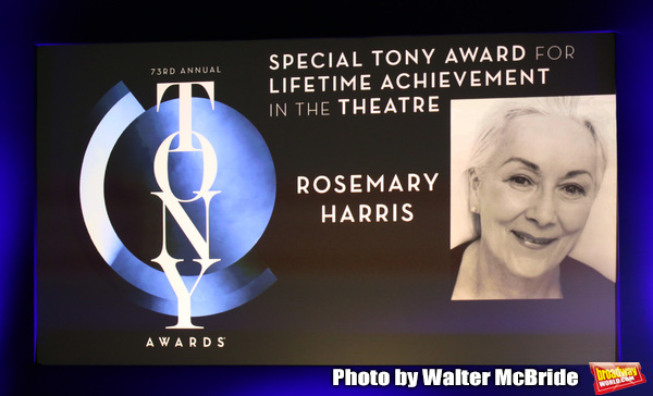Special Tony Award for Lifetime Achievement in the Theatre to Rosemary Harris Photo