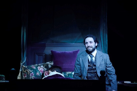 BWW Review: Two Stars and a Scintillating Score Make This SECRET GARDEN Glow