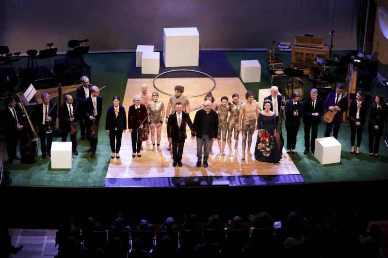 BWW REVIEW: The Australian Brandenburg Orchestra and Circa Deliver Another Brilliant Collaboration of Classical Music and Circus Arts in ENGLISH BAROQUE WITH CIRCA