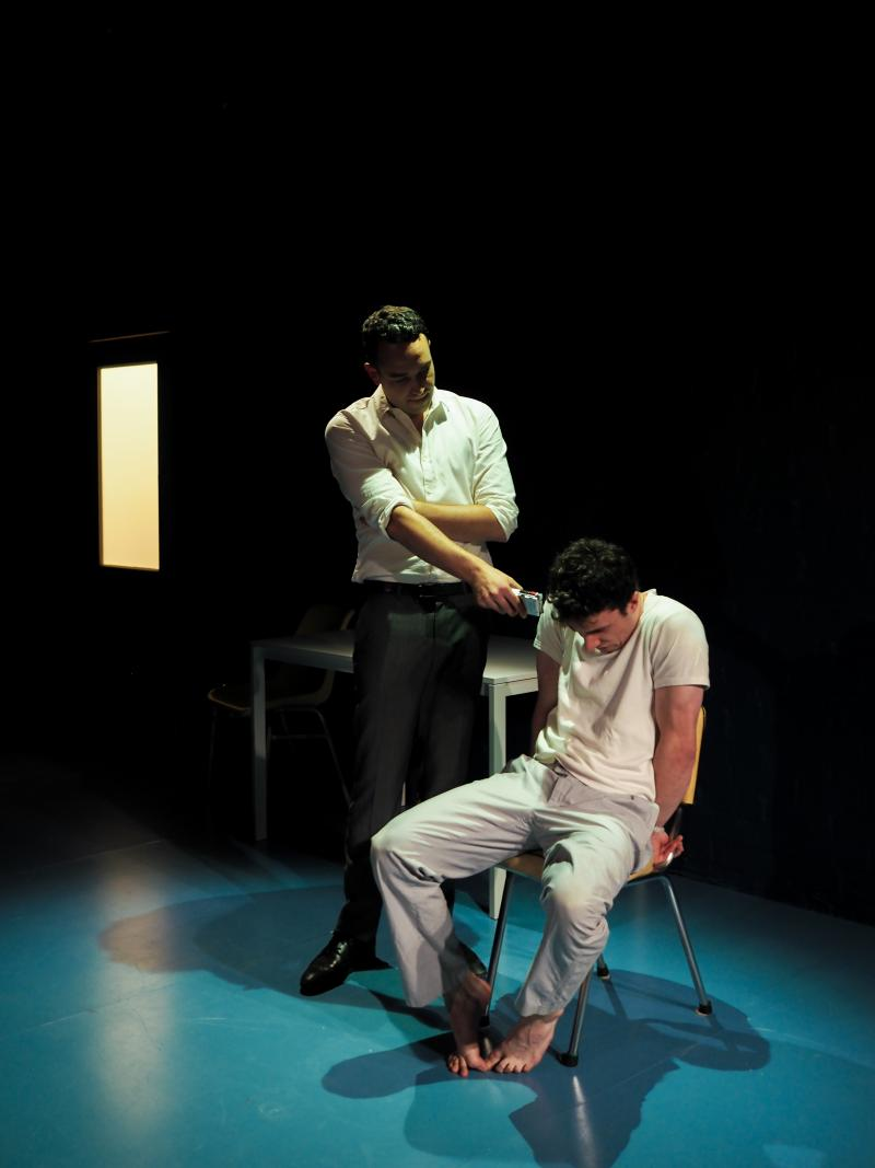 BWW REVIEW: EXTINCTION OF THE LEARNED RESPONSE Considers The Ethics Of The Manipulation Of Humanity As Two Scientists Play With Live Experiments