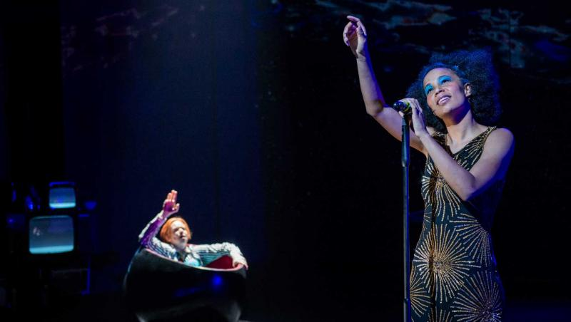 BWW Review: DAVID BOWIE'S LAZARUS at Det Norske Teatret - Transfixing Moments of Pure Bowie!