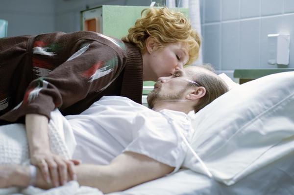 Michelle Williams as Gwen Verdon, Sam Rockwell as Bob Fosse