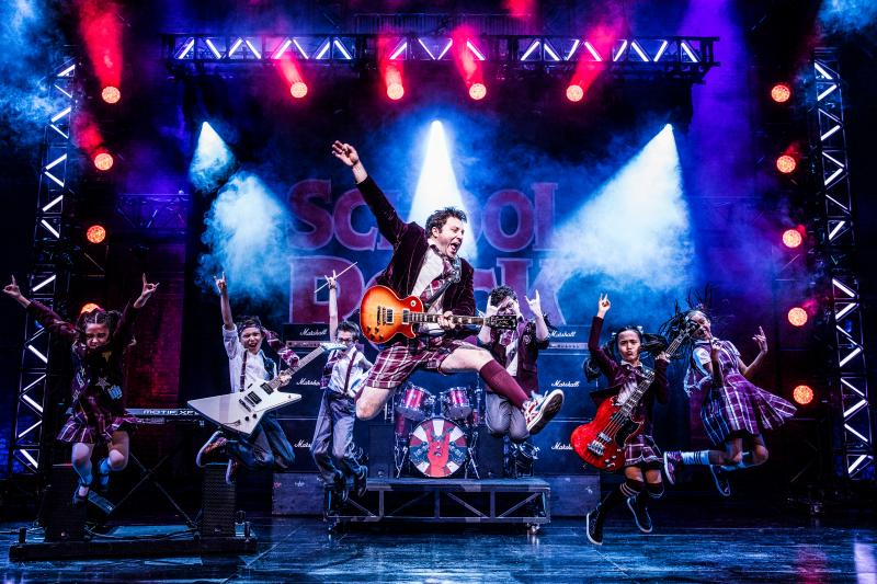 BWW Review: SCHOOL OF ROCK at the Paramount - A Muffled, Mugging, Mess ... With Cute Kids