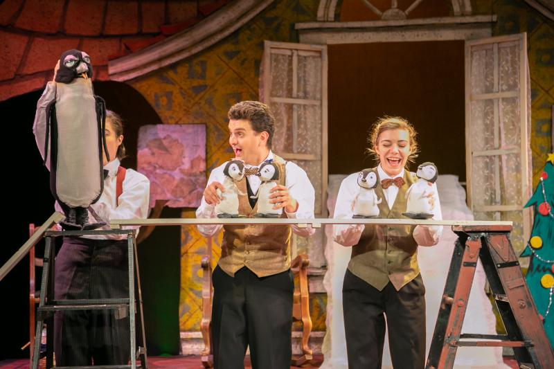 BWW Review: MR. POPPER'S PENGUINS Delights at The Growing Stage