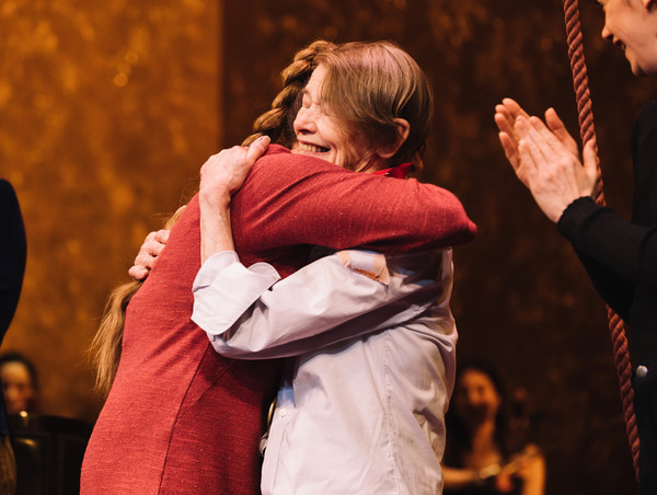 Glenda Jackson receives Lifetime Achievement Lilly Award