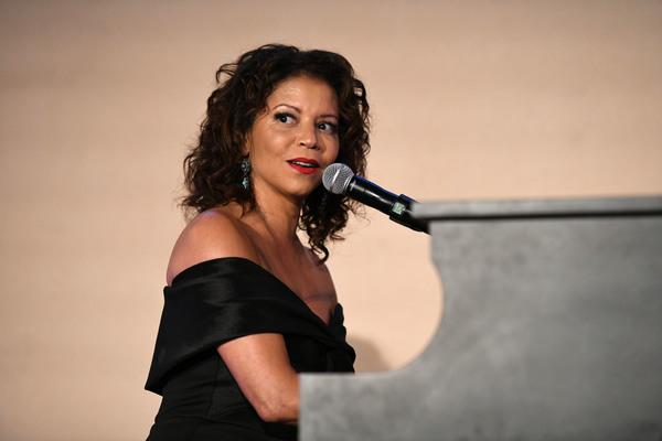 Gloria Reuben Photo
