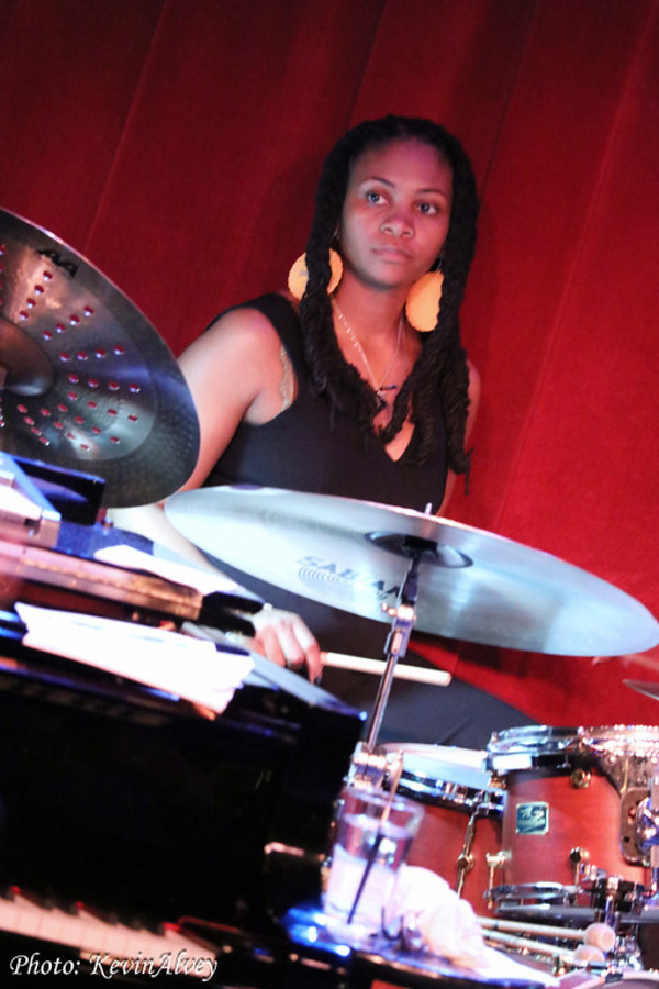 Photo Flash: Natalie Douglas Continues Tributes at Birdland
