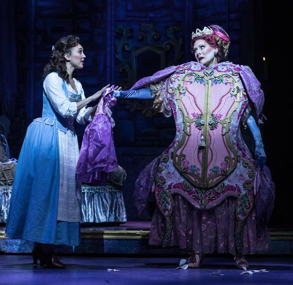Belinda Allyn (Belle), Donna English (Madame de la Grande Bouche) Photo