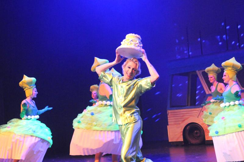 BWW Review: Ottawa's Orpheus Theatre Delivers Hits, Comedy and, Oh, So Much Camp with PRISCILLA: QUEEN OF THE DESERT THE MUSICAL