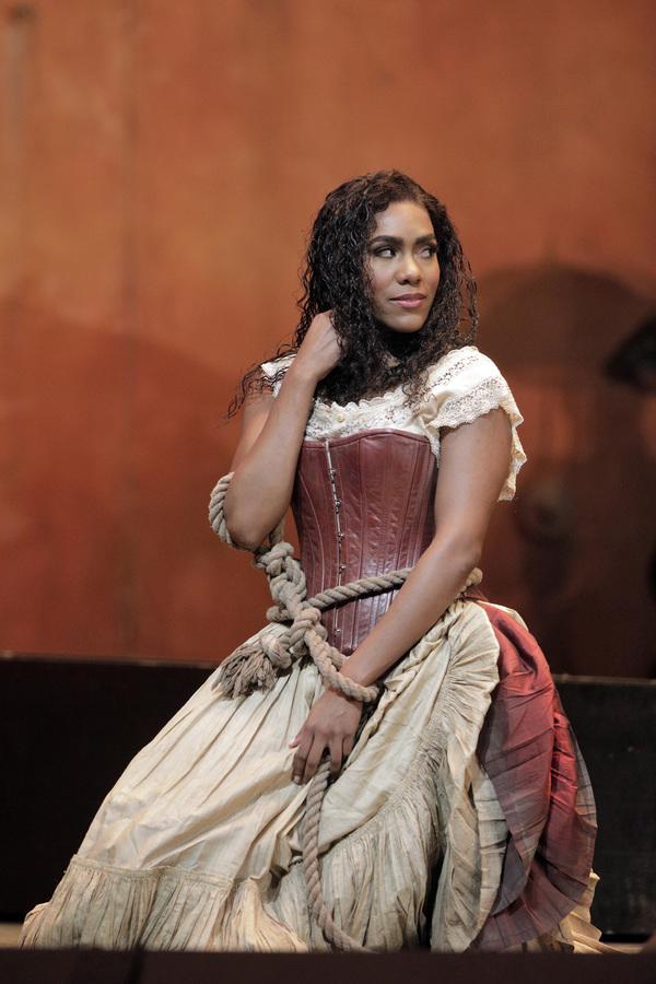 Photo Flash: First Look at San Francisco Opera's CARMEN