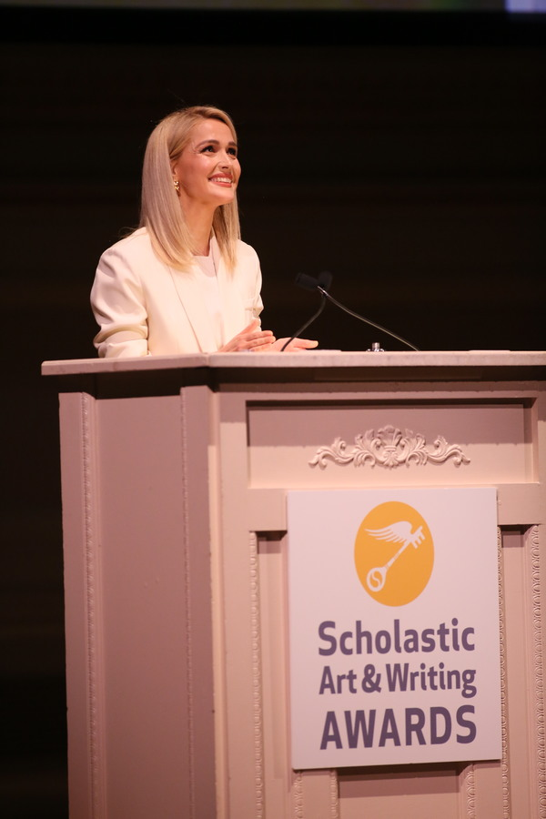 Photo Flash: Tina Fey, Zac Posen & Rose Byrne Celebrate Teen Artists And Writers At Carnegie Hall