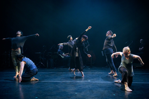 "Doug Varone Dancers (Hsiao-Juo Tang, center) in ""epilogue"" from ""in the shelter of th Photo"