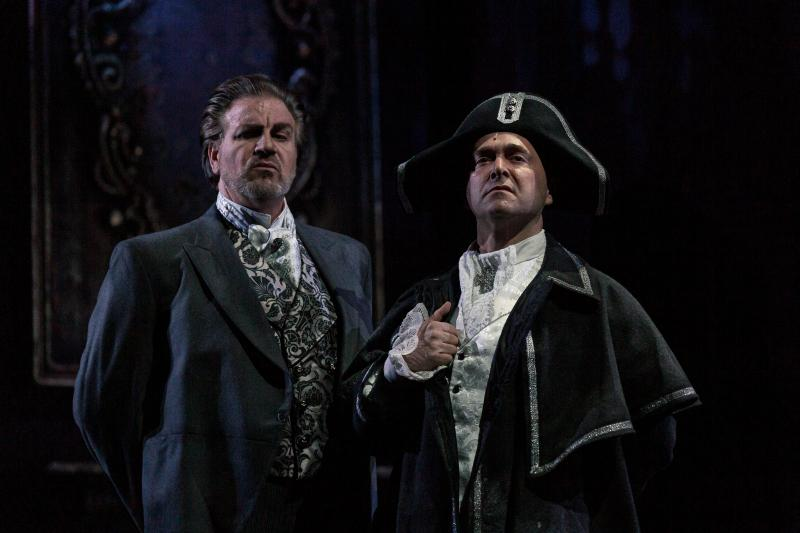 BWW REVIEW:  Anthony Warlow Is Deliciously Dark In SWEENEY TODD THE DEMON BARBER OF FLEET STREET.