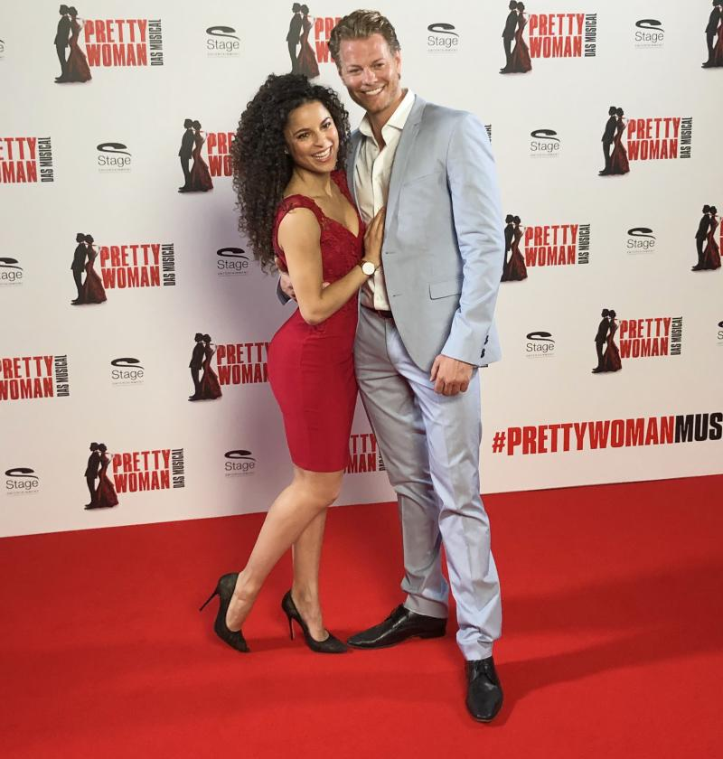 Exclusive: The Stars of PRETTY WOMAN in Germany Meet the Press!