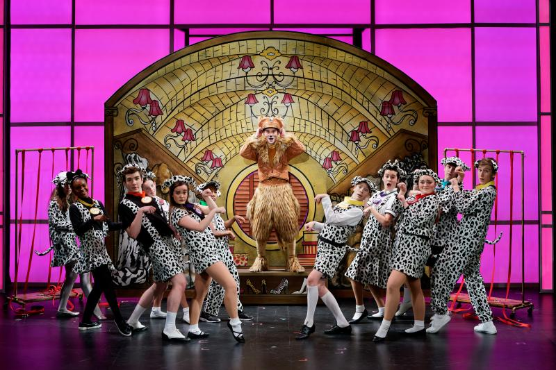 BWW Review: DISNEY'S 101 DALMATIONS Barks Up the Right Tree at Stages St. Louis
