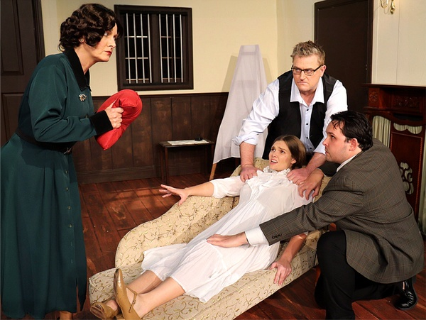 Photo Flash: VERONICA'S ROOM At Melville Theatre