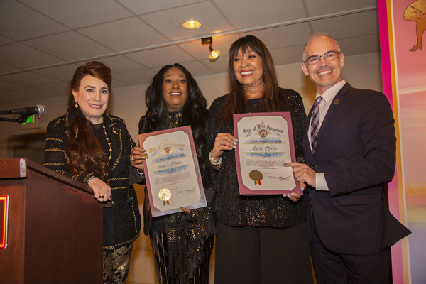 Donelle Dadigan, Bonnie Pointer, Anita Pointer and Mitch O'Farrell presenting the sis Photo