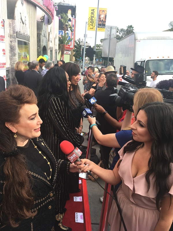 Donelle Dadigan and Pointer Sisters doing interviews on the red carpet Photo