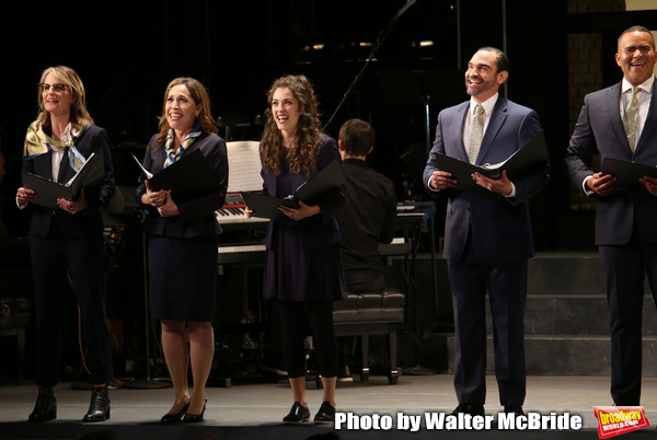 Helen Hunt, Andrea Burns, Tessa Grady, Javier Munoz and Christopher Jackson  Photo