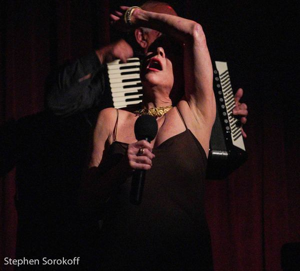Photo Coverage: Christine Andreas Brings A New Theme Show To The Beach Cafe