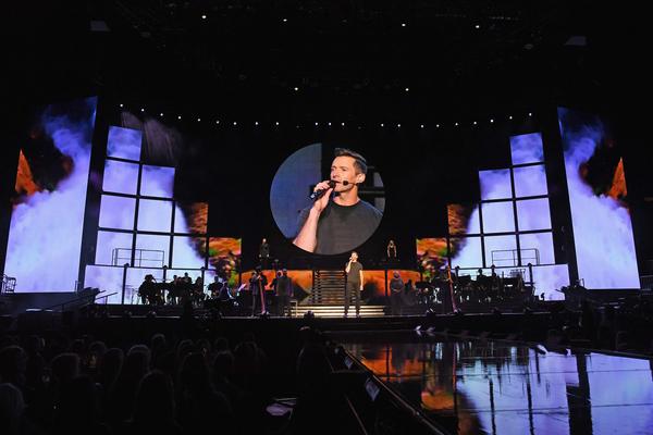 NEW YORK, NY - JUNE 29:  Hugh Jackman performs onstage during Hugh Jackman The Man. T Photo