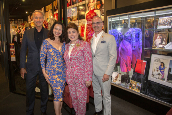 Peter Marc Jacobson, Fran Drescher, Donelle Dadigan and Mitch O'Farrell  Photo